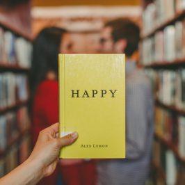 Offrir un livre et être romantique c'est possible